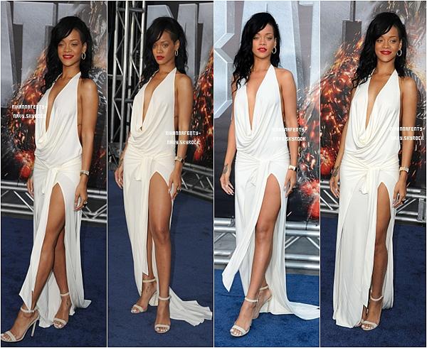 """10/05/12 : Rihanna était à la première du film """"Battleship"""" à Los Angeles."""