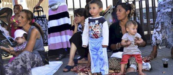Les gens du voyage, les roms.