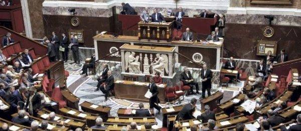 L'Assemblée nationale vote la ratification du traité budgétaire européen.