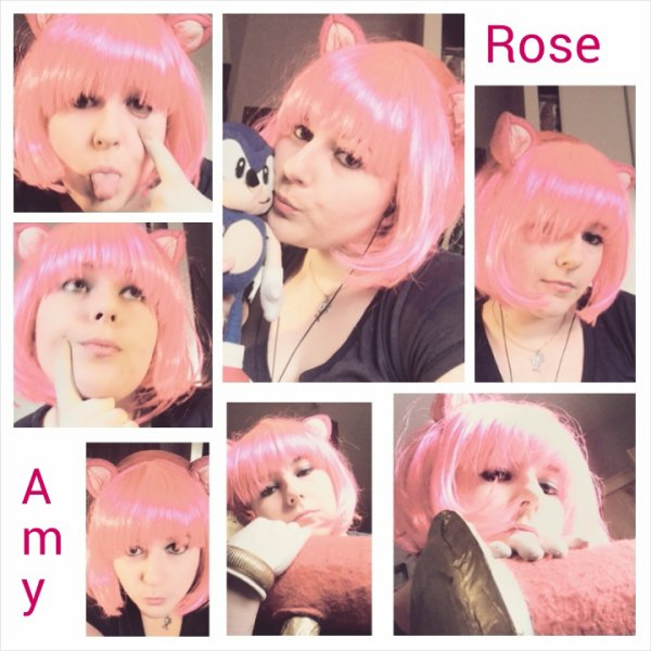 Amy rose cosplay