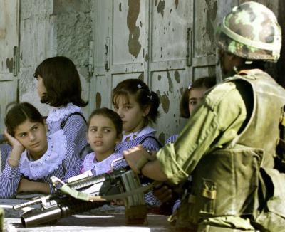 10 guerres, 10 médiamensonges :