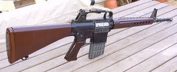- Depuis le 1er juillet, en France, les forces de l'ordre (police, gendarmerie, militaires...), peuvent tirer à balles réelles pour le maintien de l'ordre public