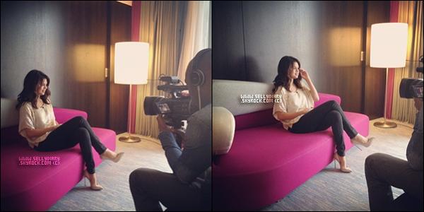 . . 03.09.12 : Selena a donner une interview pour le magazine français « Teemix ». . .