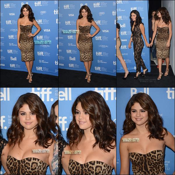 . . 07.09.12 :  Selena et le cast étaient présent au « Toronto International Film Festival » à Toronto.  . .