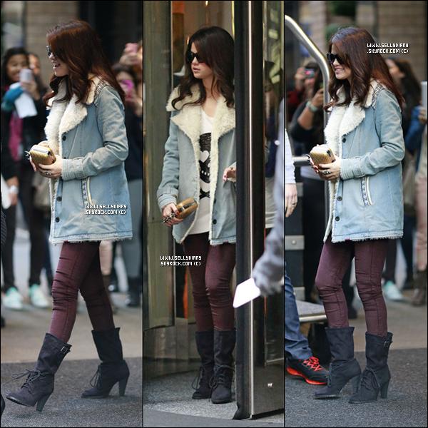 . . 12.11.12 :  Selena été présente à l'évènement du magazine « Glamour » dont elle a été choisie Femme de l'année.  . .