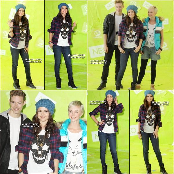 . . 20.11.12 :  Selena  a réalisée un photocall pour la marque « NEO Adidas  ».  . .