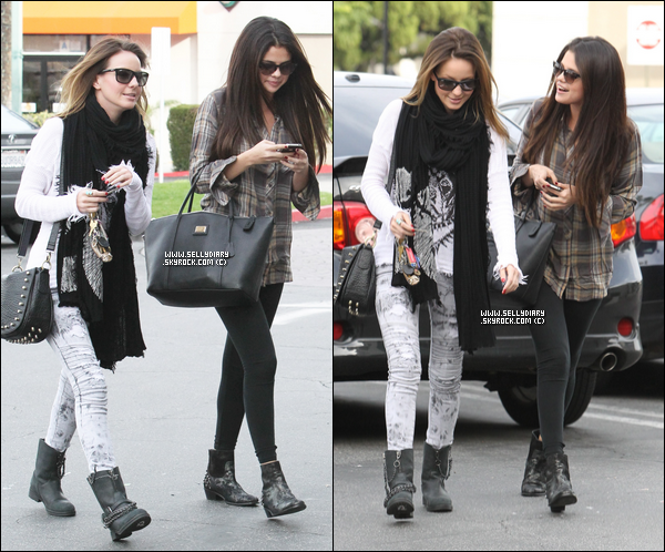 . . 04.12.12 :  Selena a été vue entrain de quitter le « Tarzana Medical Center » à Encino.  . .