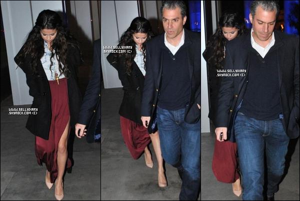 10.01.13 :  Selena s'est rendue à l'évènement de d'Alberta Ferretti qui fait parti de la campagne de charité «Protéger un enfant».