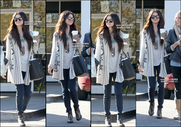 14.01.13 :  Selena a été vue sortant de la maison de son amie Vanessa après y avoir passée la nuit à Los Angeles .