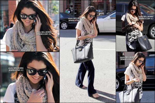 22.01.13 :  Selena a été aperçue la maison d'un ami à Studio City, en Californie.
