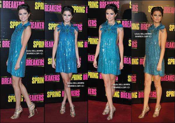 18.02.13 :  Selena et le cast de Spring Breakers ont été vue devant les studios de la radio « NRJ » à Paris.