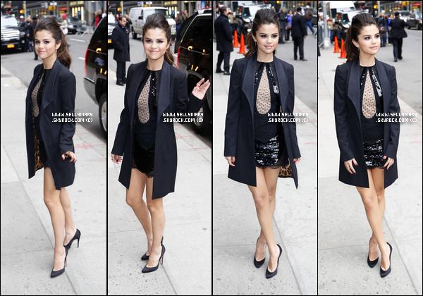 18.03.13 :  Selena a été vue devant le plateau du « David Letterman Show » où elle a été interviewer à New York.