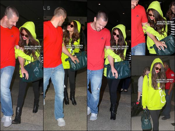 09.07.13 :  Selena a assisté à l'évènement organisé par « Adidas Neo » où elle a également répondue a des questions à Berlin.