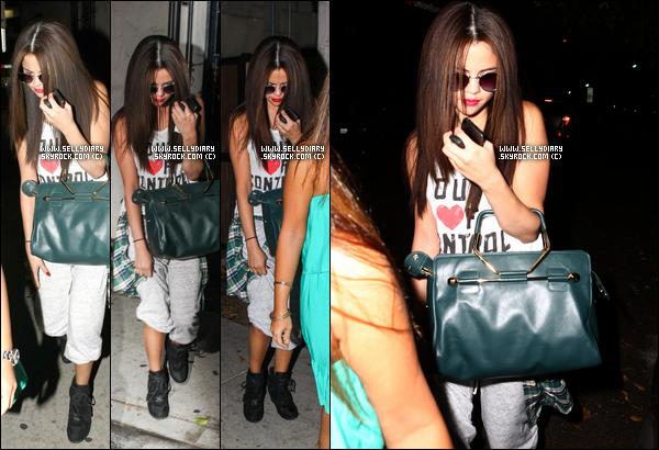 17.07.13 :  Selena s'est rendue à la cérémonie des «  ESPY Awards » où elle eu l'honneur de remettre un prix à Los Angeles.