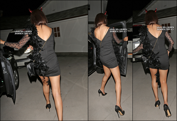 20.07.13 :  Selena a été aperçue à sa pre-birthday party au « Roosevelt Hotel » à Los Angeles.