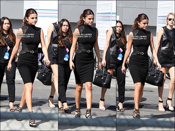 25.07.13 :  Selena a été vue lors du tournage d'une vidéo pour le « Z100 » dans les rues de New York.