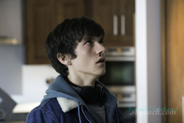 Fionn in HIM, premiering October 19 J'adore cette photo on voit le super jeu d'acteur de Fionn.