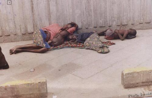 La pauvreté engendre impuissance,elle est la première des maladies   Si tu compatis cliques sur j aime    personne ne devrai ignorer ce genre d image