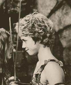 Putain je  Kiff  La Tete Du   Mec qui à joué dans le Film Peter Pan *-* ! Pas Vous ?!