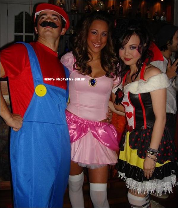 _ 31.10.2010 | Nouvelles photos datant d'Halloween :