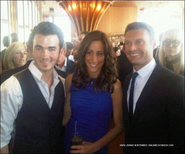 _ 06.06.2011   Kevin & Danielle étaient à la soirée de lancementde l'application iPad pour iHeartRadio_à New York :