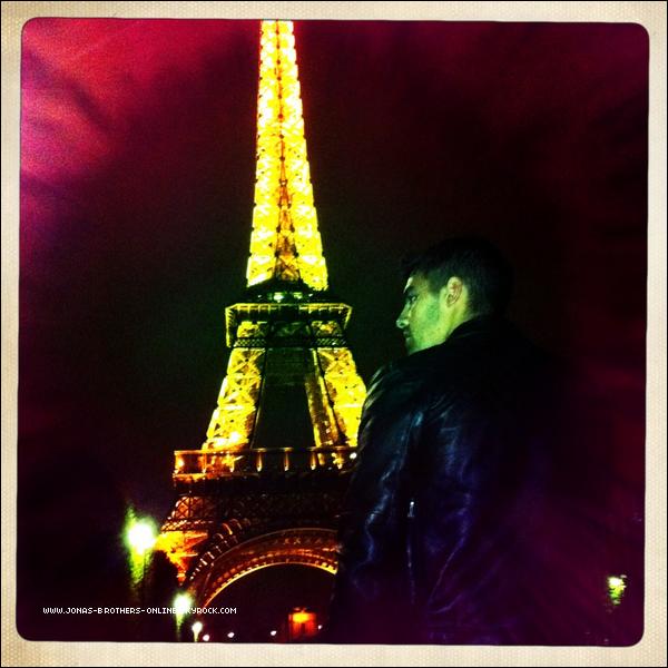 "_ 25.07.2011 | Joe nous souhaite ""Bonne nuit"" via tumblr :"