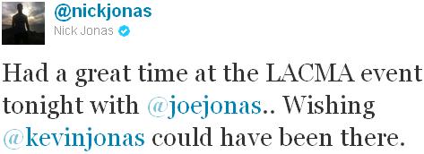 → 05.11.2011 | Joe & Nick se sont rendus au LACMA Art + Film Galaqui avait lieu au Los Angeles County Museum of Art :.
