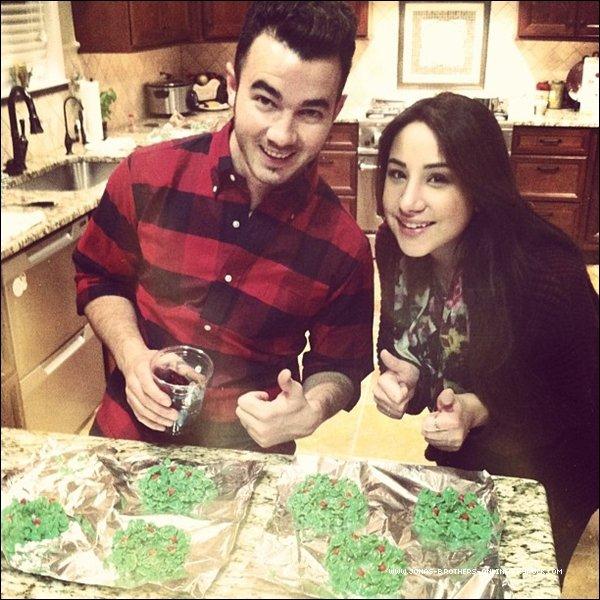 → 24.12.2012 | Kevin a passé Noël avec la famille Deleasa dans le New Jersey :