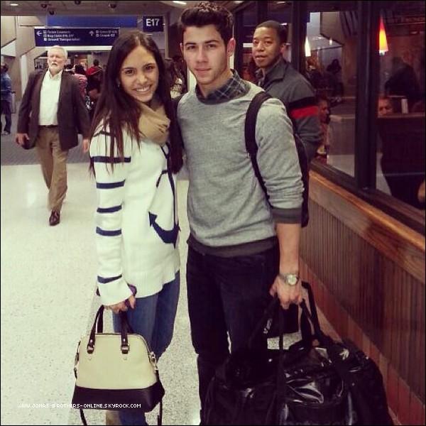 _ 18.10.2013 | Nick a pris l'avion à l'aéroport de LAX_direction le Texas :