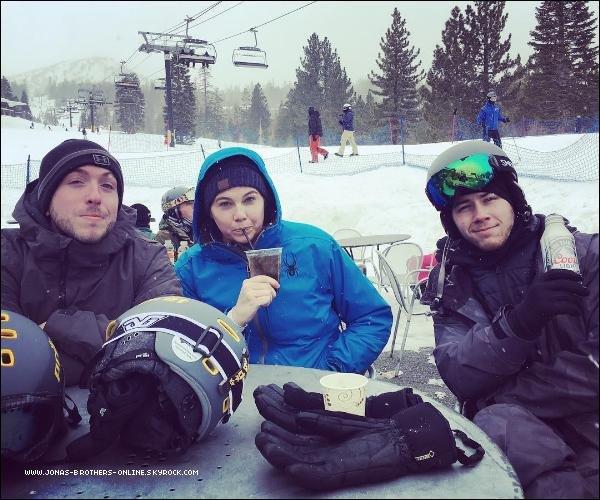_ 06.02.2017 | Nick a skié à Mammoth avec des amis :