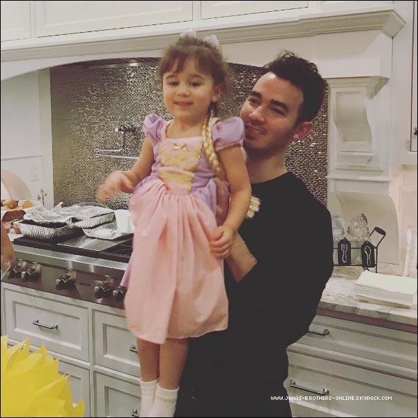 _ 06.02.2017 | Nouvelle photo de Kevin & sa fille Alena déguisée en princesse Raiponce :