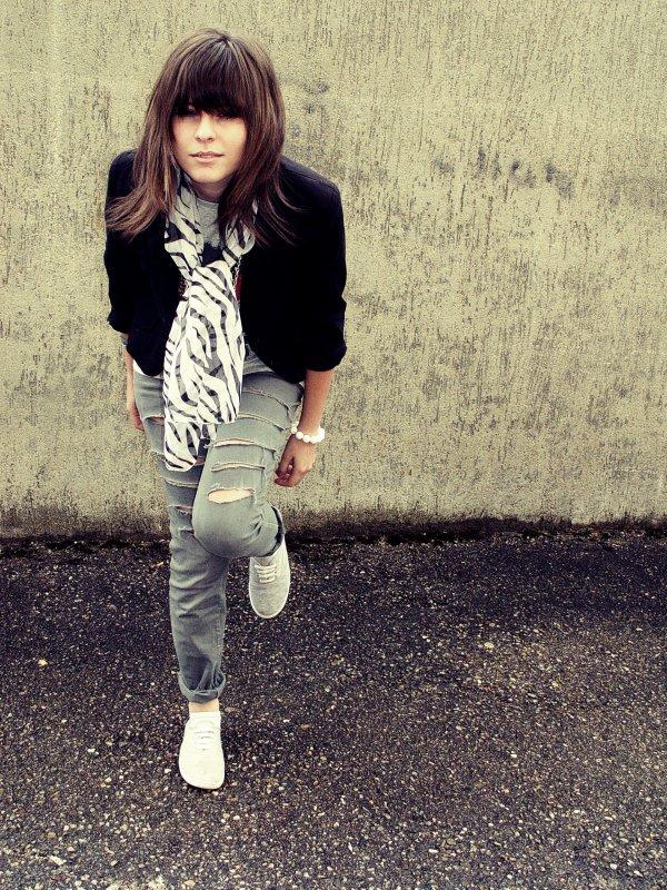 Claudia, Suisse Facebook