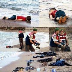 La photo du petit Syrien noyé en tentant de traverser la Méditerranée avec sa famille fait le tour du monde et commence à toucher la classe politique.