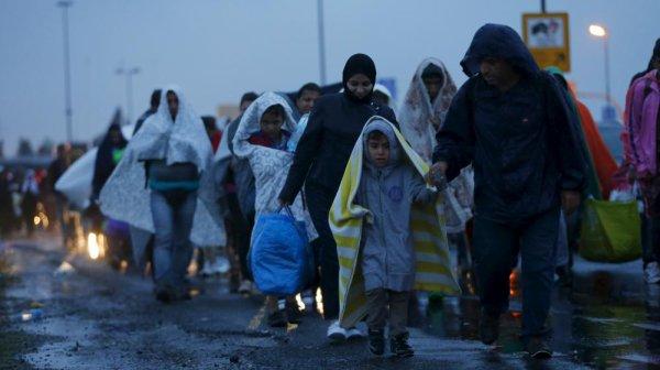 L'Autriche et l'Allemagne ont accepté de recevoir les milliers de migrants qui ont parcouru la Hongrie à pied.
