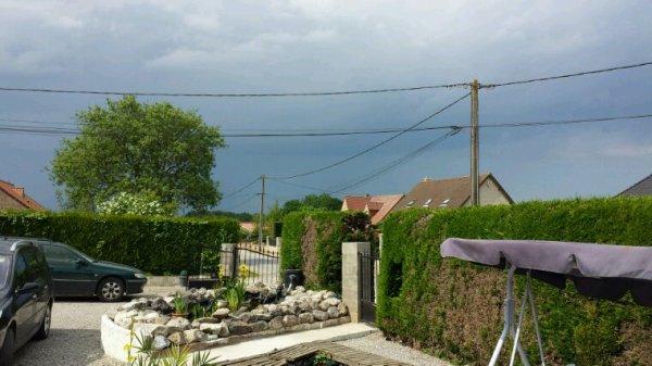 11h et les risques d'orages sont bien réels