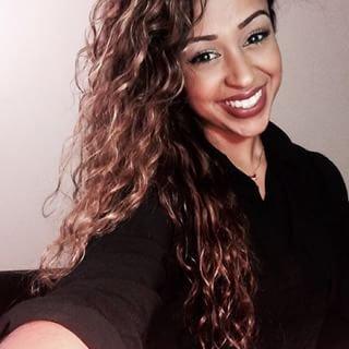 Melinda Newton - Serveuse dans un bar - Hip-Hop