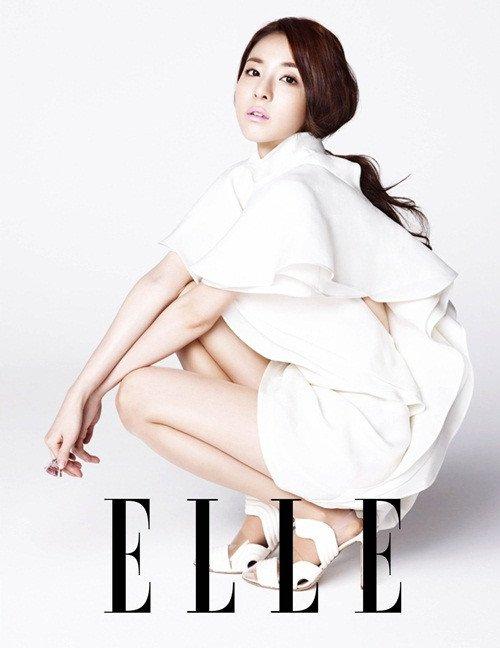 2ne1 dans les magazine Marie Claire, Allure, Elle, et Bazaar!!!