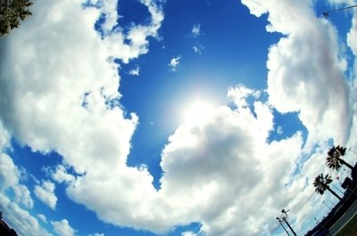 """""""Je souris au ciel , et pensant très fort a toi ..."""""""