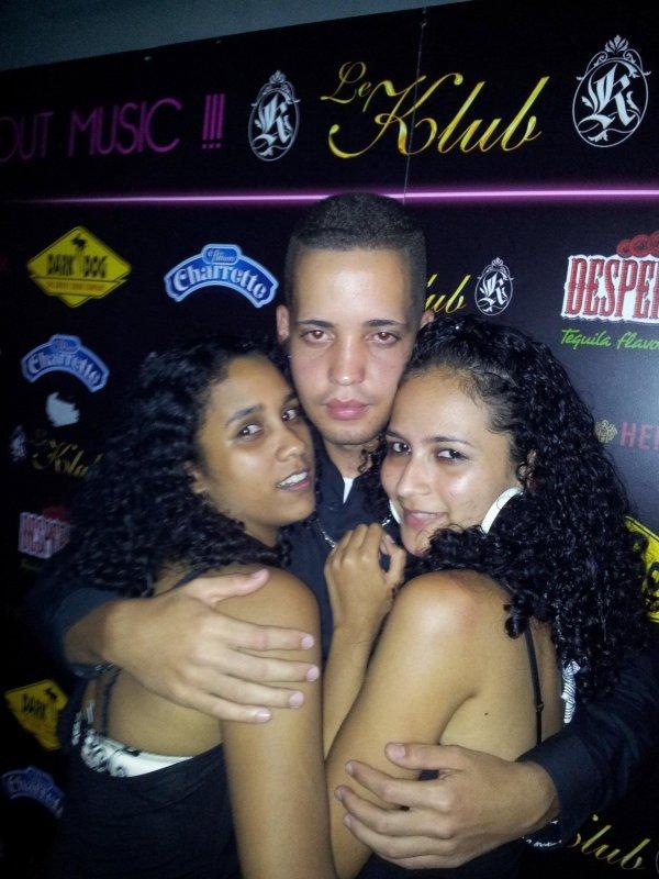 *Au Klub avec Jerem et Mae^^