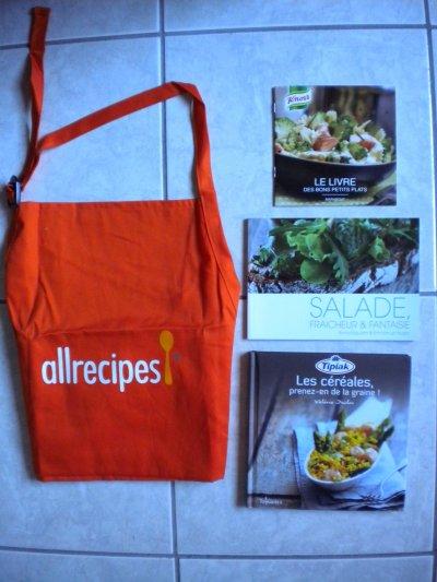 Lot cuisine: 1 tablier + 3 livres Neufs!