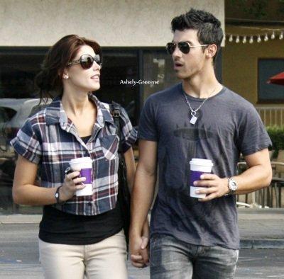Ashley et son Joe à Hollywood, le 29 Septembre. T0P ou FL0P?