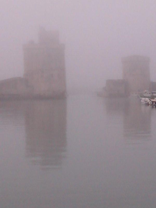 Brouillard sur La Rochelle