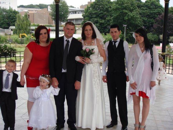 tout le monde au mariage