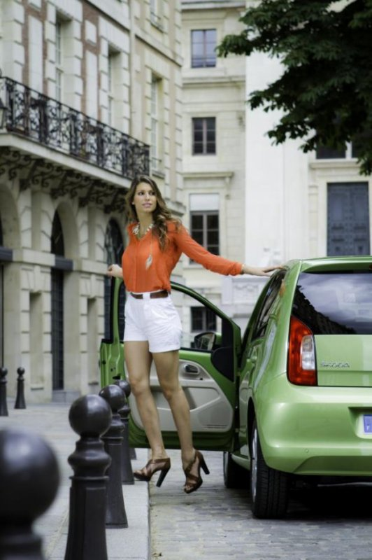 Laury Thilleman pour stoka.