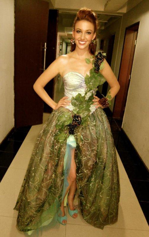 Delphine Wespiser - Miss Monde.