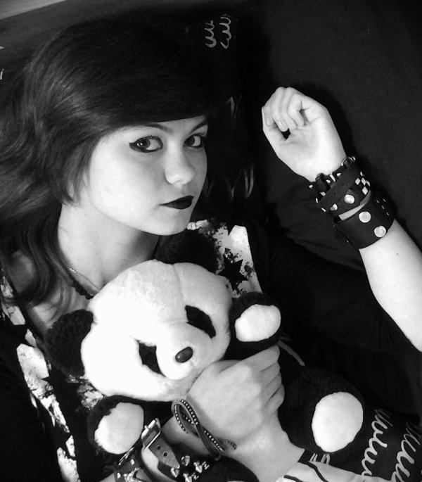 je ne suis pas la plus belle des filles mais au moins je n'ai pas peur d'être moi-même !