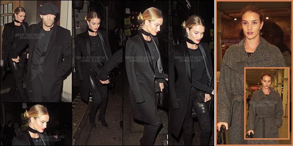 26/01/16 - Rosie Huntington accompagnée de son fiancé Jason S., quittait le restaurant Ivy à Londres. Le 28/05, c'est seule que Rosie H.W. arrivait de Paris par l'EuroStar dans la capitale anglaise. Je n'aime pas trop la tenue qu'elle portait...