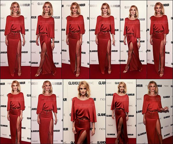 02/06/15 - Rosie Huntington a assisté à la cérémonie des Glamour Women Of The Year à Londres, UK. La belle mannequin arborait une longue robe rouge fendue au haut de la cuisse ... J'aime assez cette robe, et vous, qu'en pensez-vous??