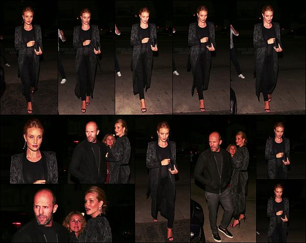 11/03/17 - Rosie Huntington a été vue quittant le restaurant Giorgio Baldi avec Jason à Santa Monica. Rosie H.W reste fidèle à elle-même côté tenue et toujours du noir mais bon ça fait plaisir de la voir. Pour ma part je lui accorderai un top !
