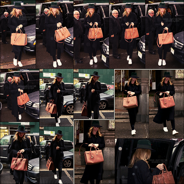 06/04/17 - De nouveau, Rosie Huntington a été photographiée arpentant les rues - de New York City.  Plus tard dans la journée, elle a été vue quittant la boutique d'ABC Carpet & Home, toujours à New York, avec son sac du moment !